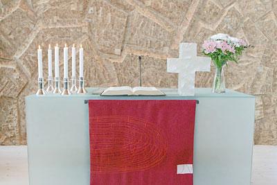 Laajasalon kirkon alttari